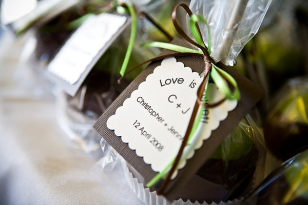 Candy apple favors rustic wedding chic for Candy apple wedding favors