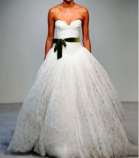 vera-want-wedding-gown-lace-green-ribbon_grande