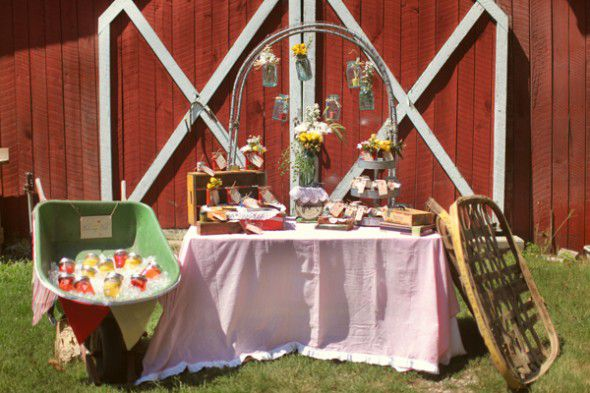 Vintage Style Wedding Ideas Inspired By Flea Market Finds ...
