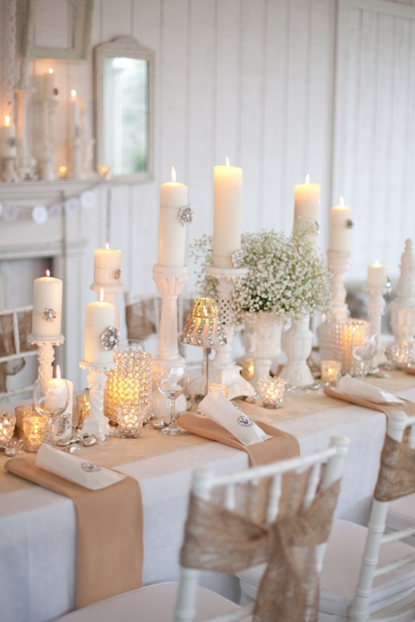 Incredible White and Burlap Wedding Table 600 x 900 · 74 kB · jpeg