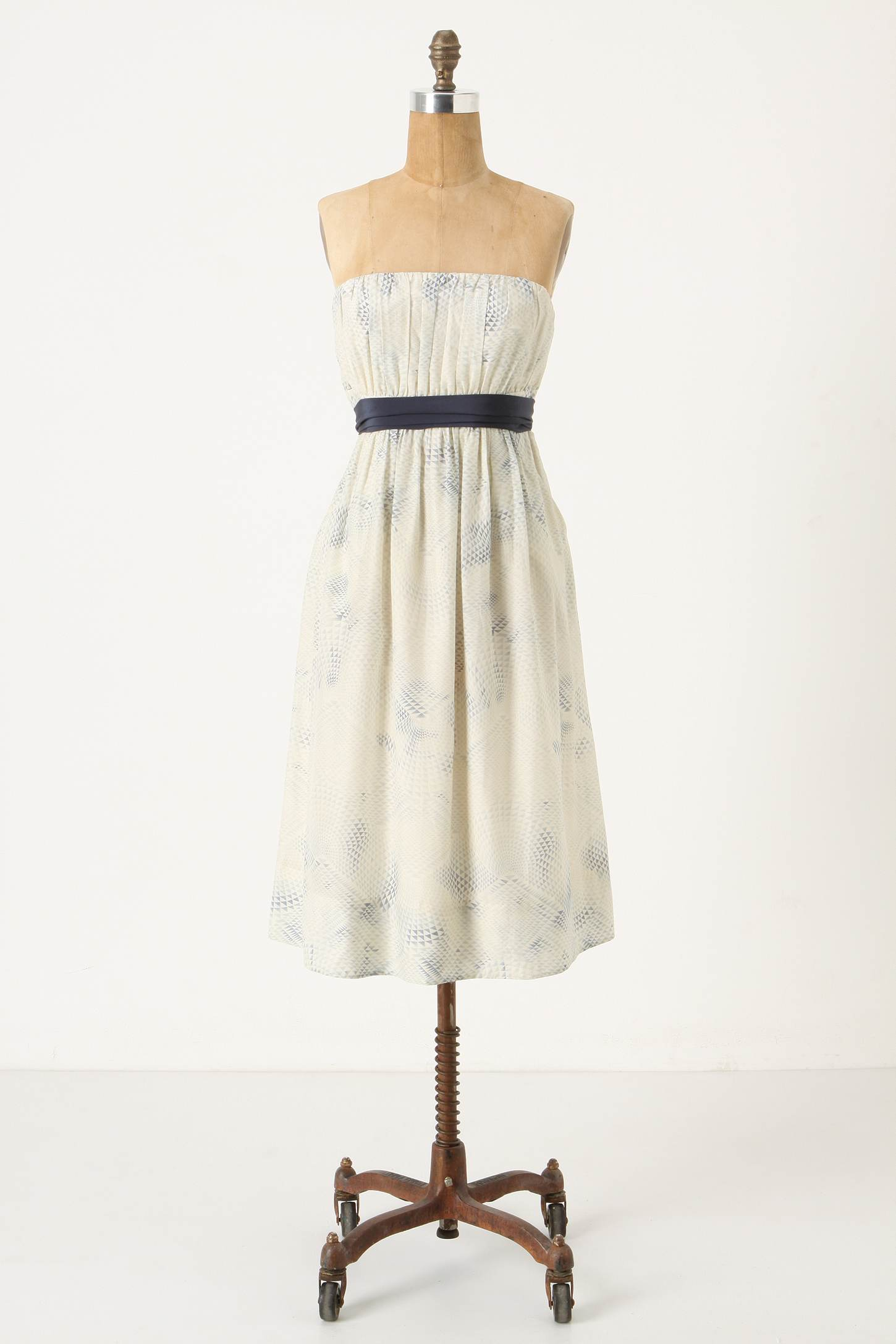 Country-Bridesmadi-Dress-Fanning-Triangle-Dress