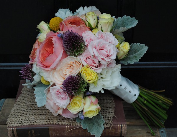 Here are some rustic country chic bouquets that make perfect and beautiful