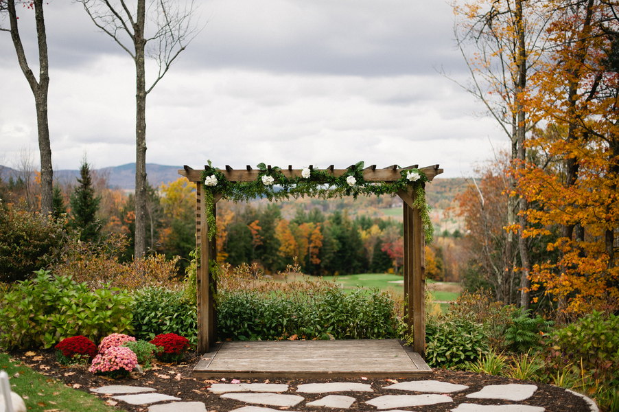 New Hampshire Rustic Wedding At Ragged Mountain Resort ...