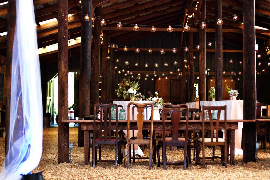 Southern Barn Wedding At Vinewood In Georgia