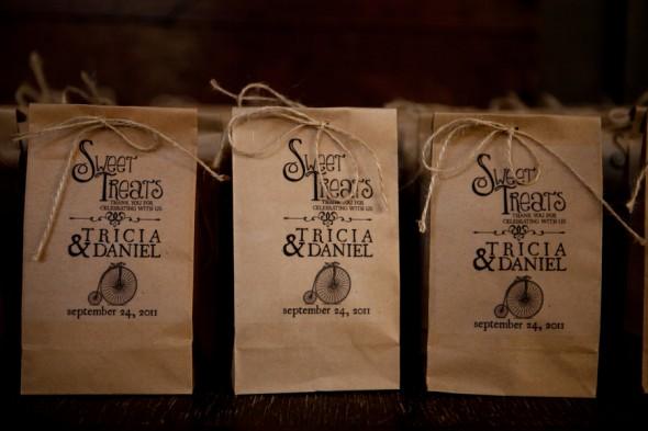 Southern Wedding Gift Bag Ideas : Southern Barn Wedding At Vinewood In GeorgiaRustic Wedding Chic