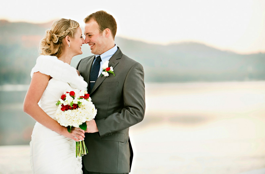 Today I have a stunning winter wedding that took place at Shore Lodge Resort
