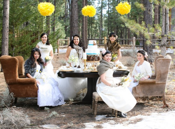 bridal-party-in-woods