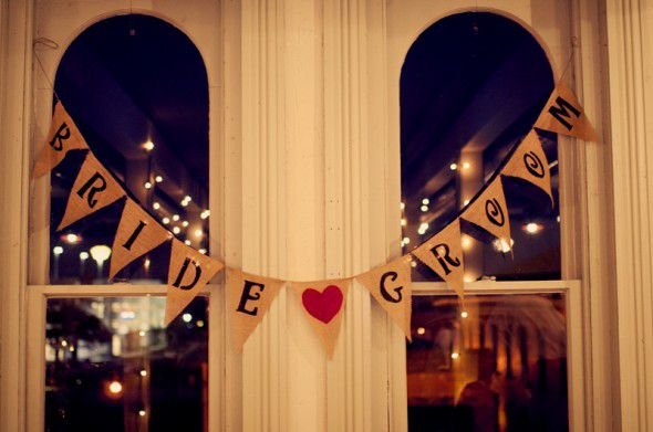 bride-and-groom-burlap-banner