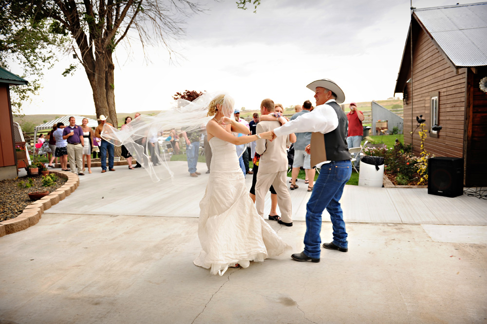 Country Backyard Style Wedding - Rustic Wedding Chic