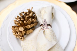 gold-pine-cone-at-wedding