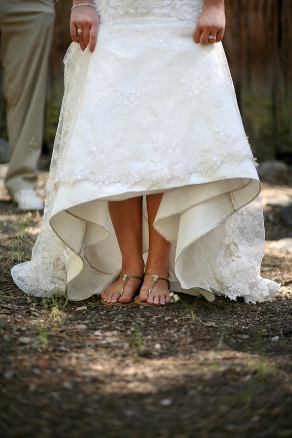 rustic-bride-flip-flops
