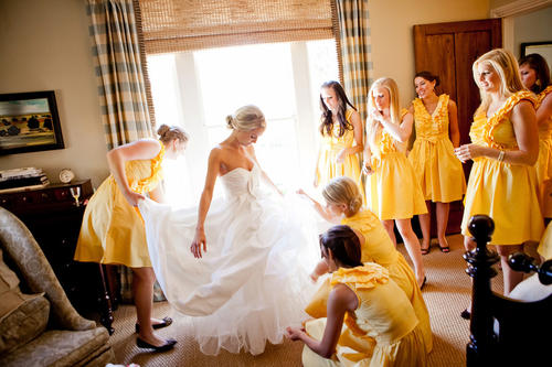 rustic-country-bride-getting-ready