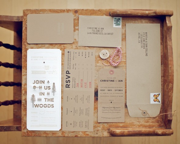 Rustic Wedding Invitation Sets: Woodsy Rustic Style Wedding Invitation