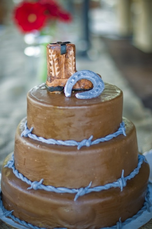 western-style-grooms-cake