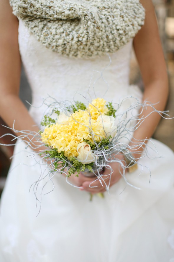 yellow-white-rustic-bouquet