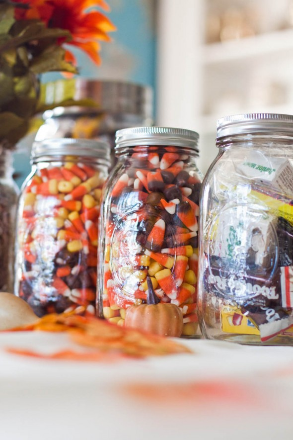 mason-jars-filled-with-candy