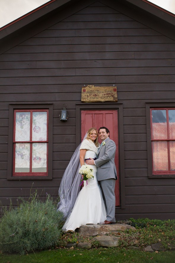apple-barn-farm-wedding