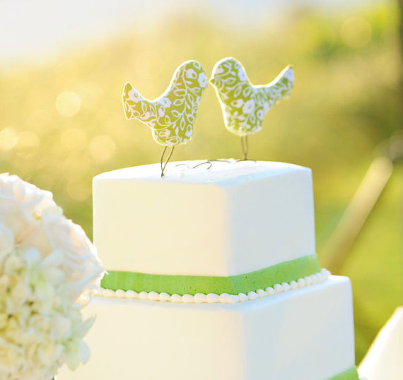 birdcaketopper Check out our other etsy wedding roundups favors