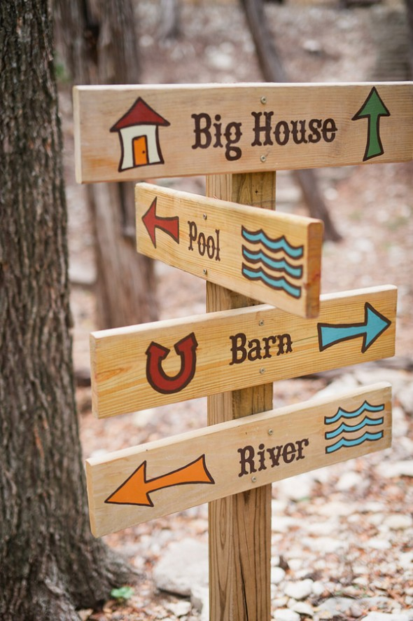 camp-directional-signs