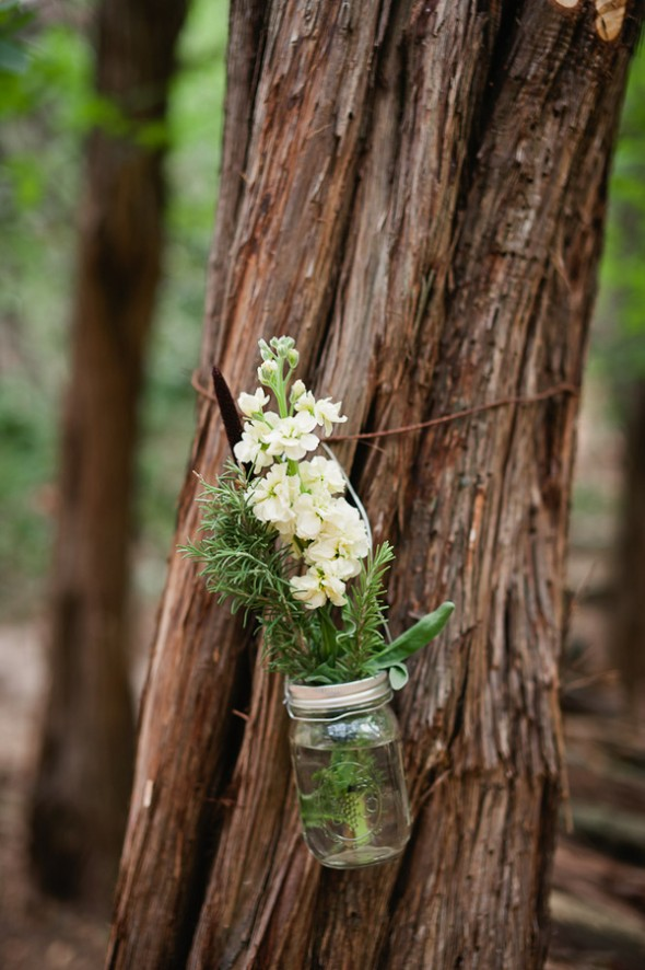 camp-style-wedding-flowers