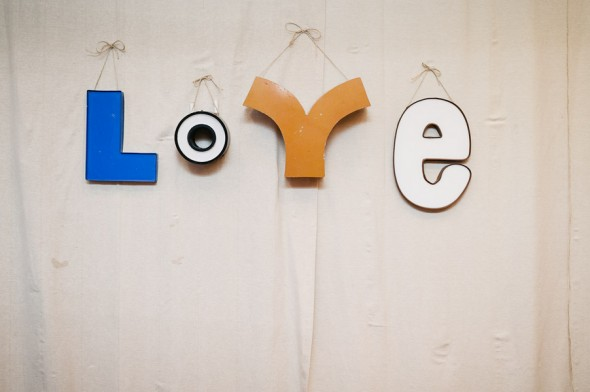 love-sign-wedding