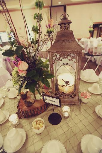 rustic-wedding-style-centerpiece
