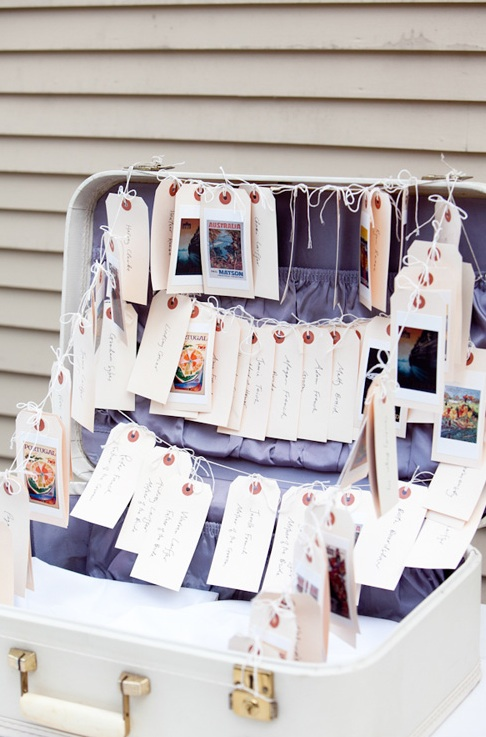 A-rustic-way-to-display-place-cards