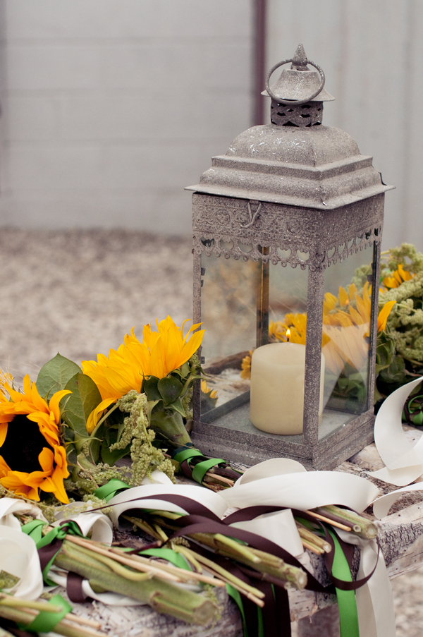Rustic Themed Centerpiece : Sunflower theme wedding rustic chic