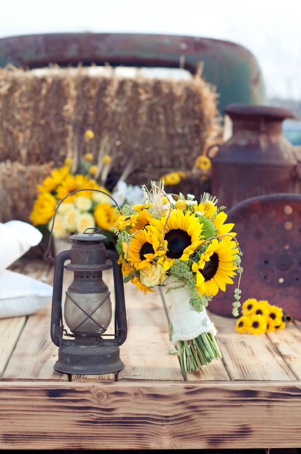 sunflower theme wedding rustic wedding chic. Black Bedroom Furniture Sets. Home Design Ideas