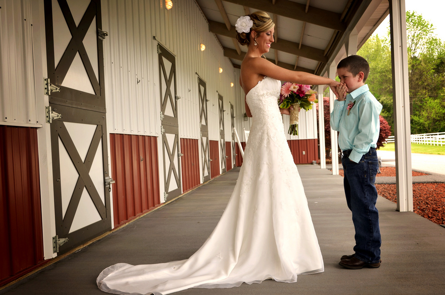 Rental wedding dresses in north carolina discount for Cheap wedding dresses in nc