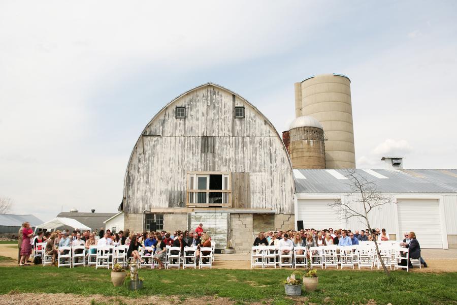 wisconsin farm barn country wedding rustic wedding chic