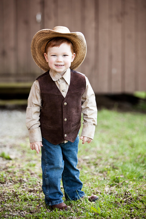 rustic-wedding-ring-bearer