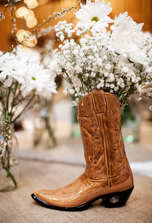 Barn Wedding On A Budget Rustic Wedding Chic