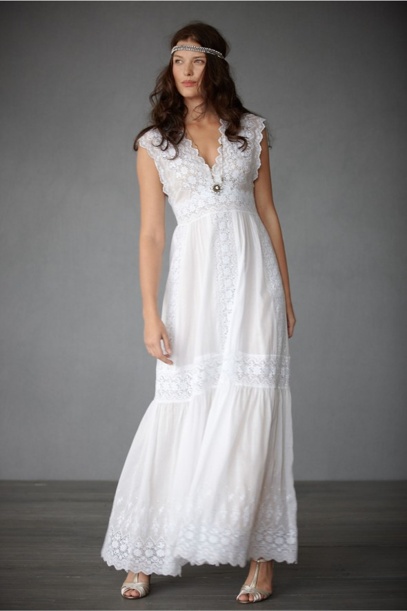 The perfect wedding gowns for each season rustic wedding for Simple southern wedding dresses