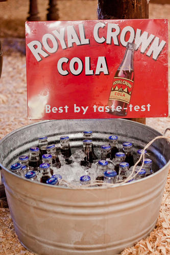 rustic-wedding-ideas-for-drinks