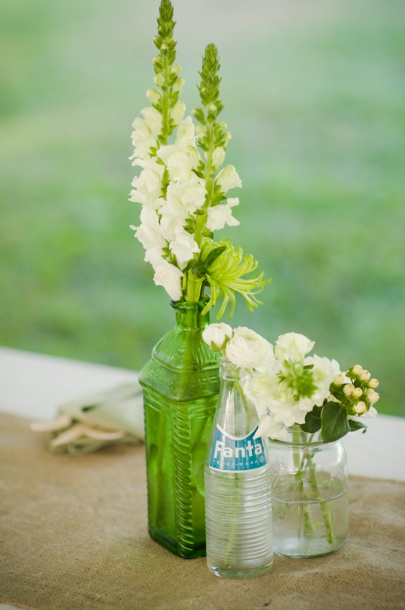 simple-chic-wedding-centerpieces