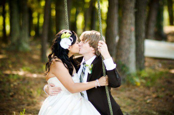wedding-couple-on-swing