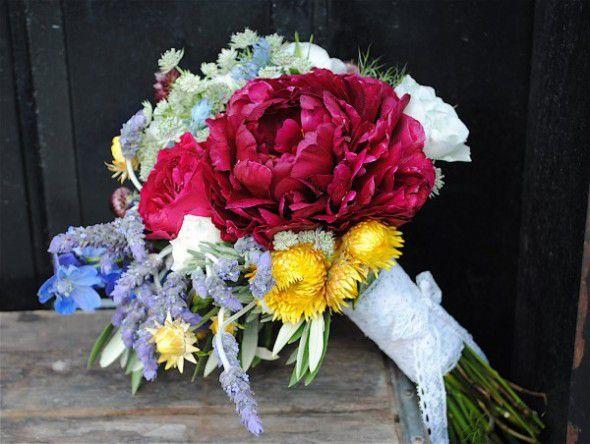 bridal-wildflower-wedding-bouquet