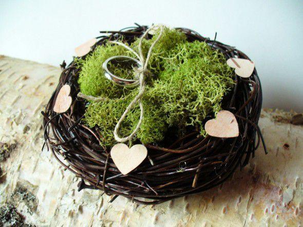nest-ring-pillow