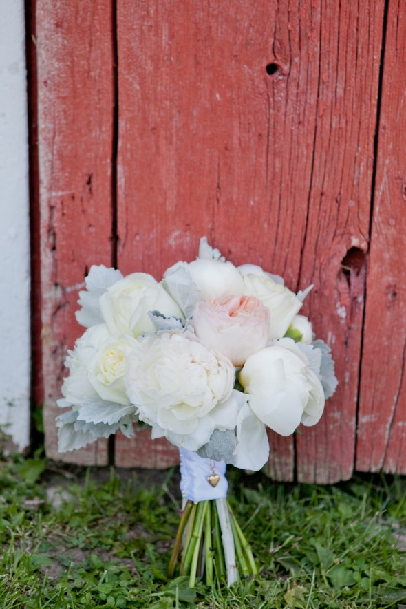 rustic-vintage-wedding-bouquet