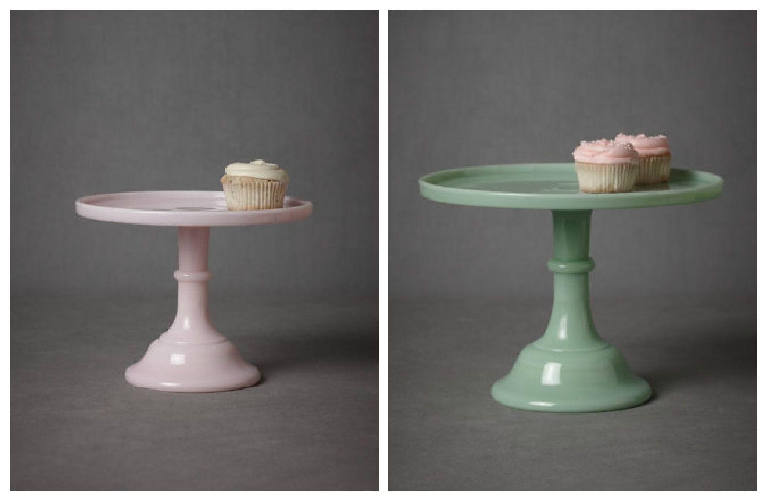 vintage-cake-plate-for-wedding