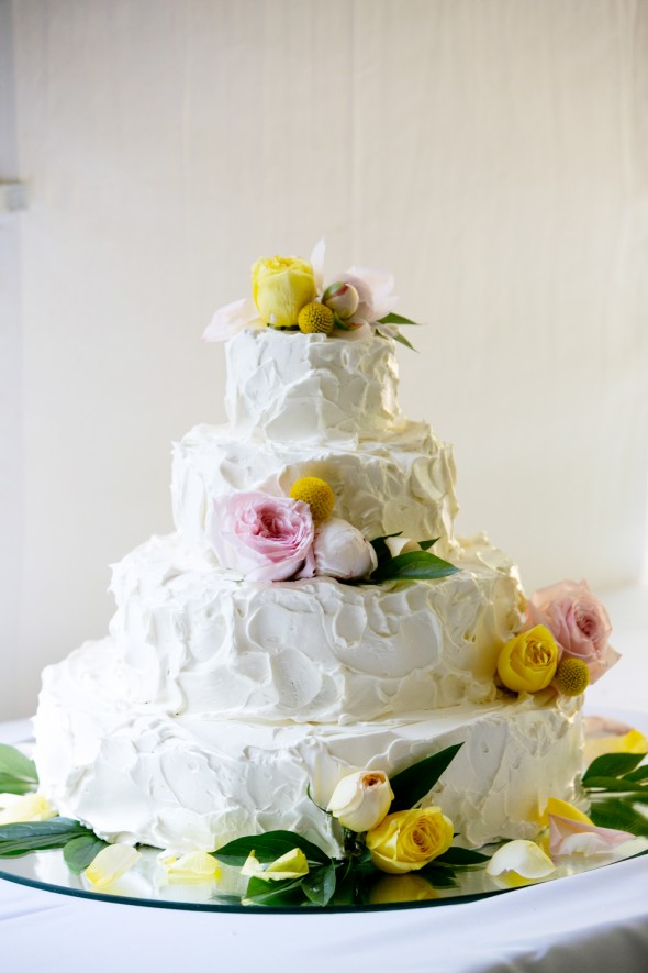 white-rustic-wedding-cake