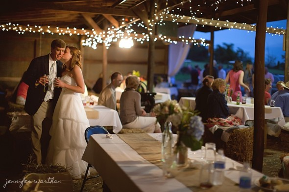 barn-wedding-lighting