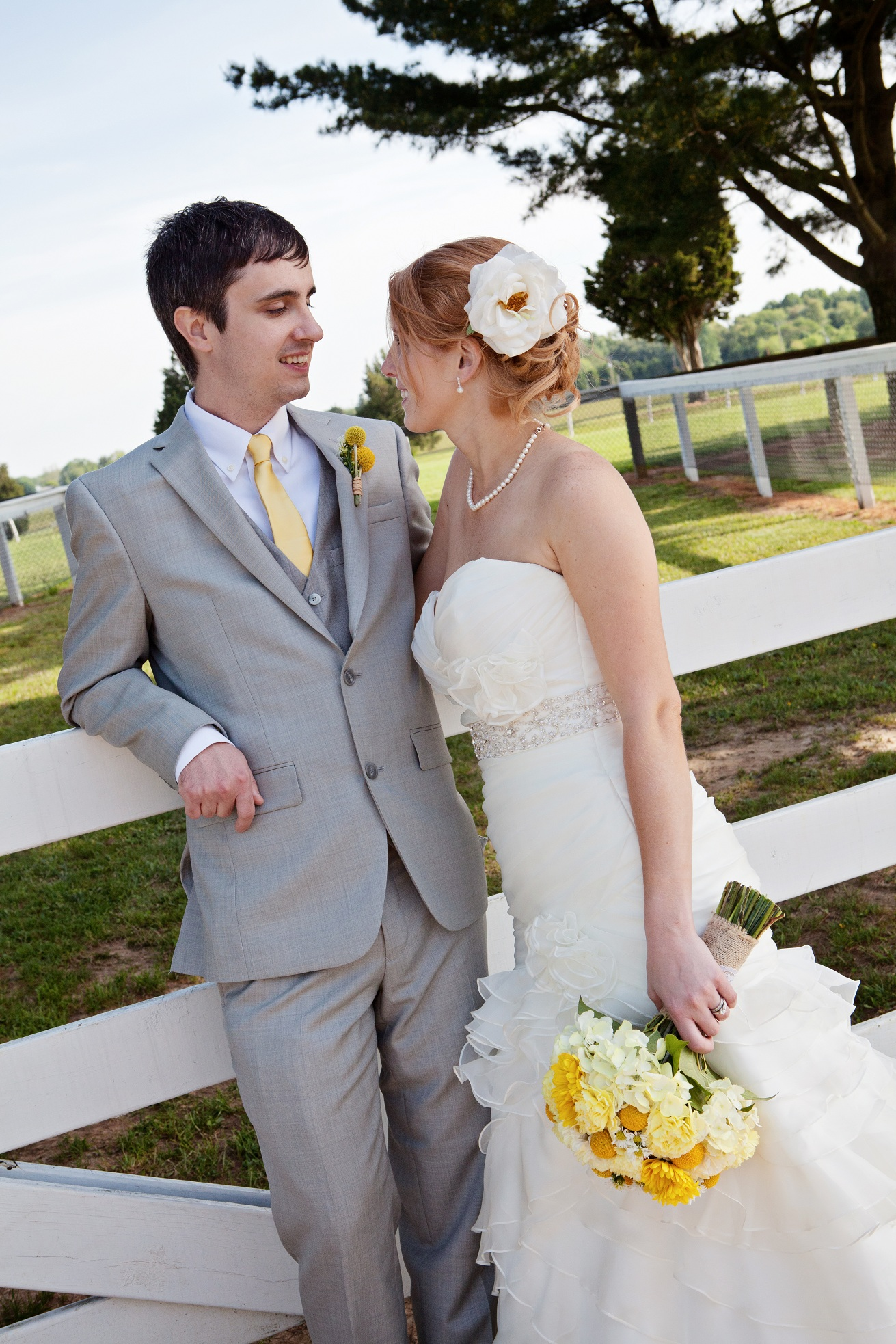 DIY Barn Wedding In Maryland At The Tea Barn- Rustic ...