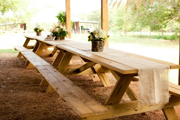 picnic-tables-at-wedding