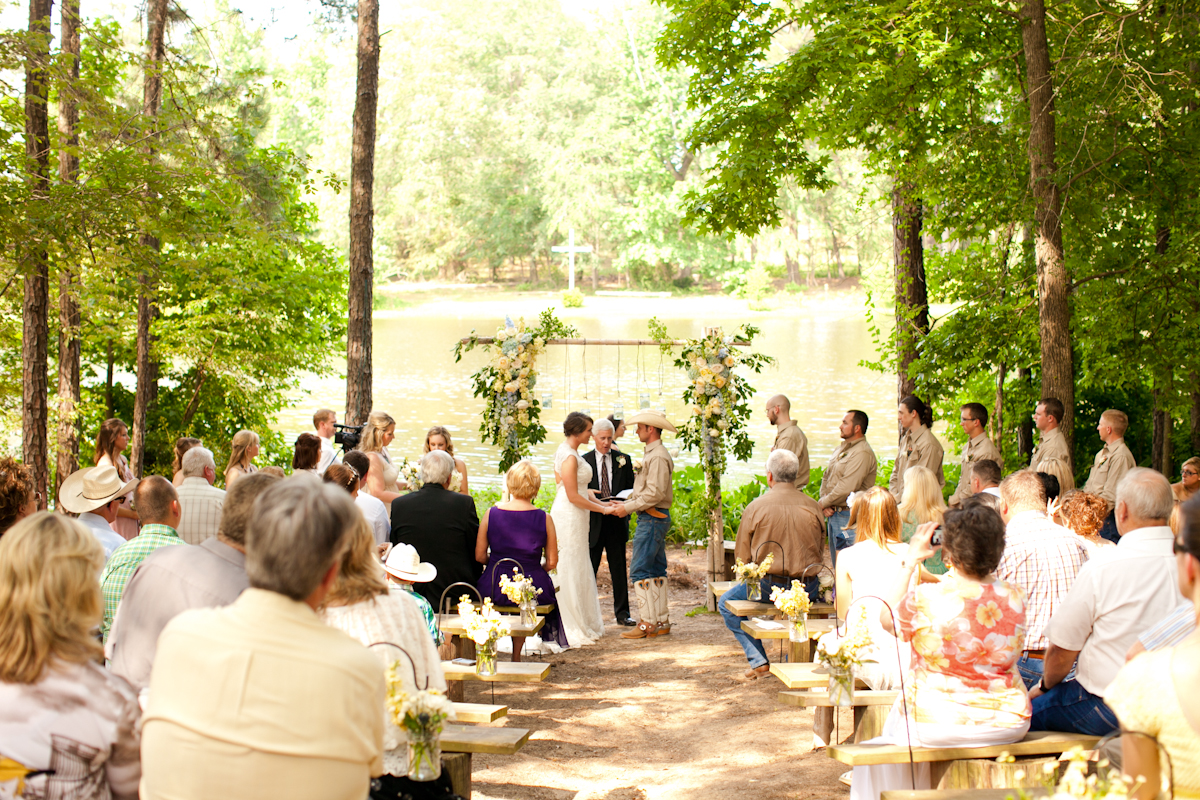 Real Texas Weddings: East Texas Ranch Wedding