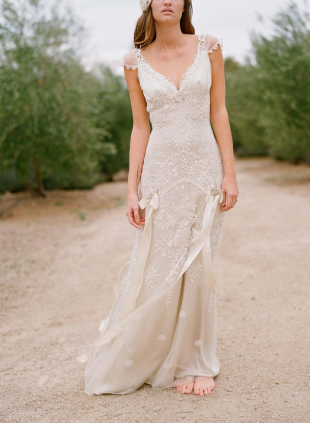 Gowns for a glamorous country style wedding rustic for Wedding dresses for outdoor country wedding