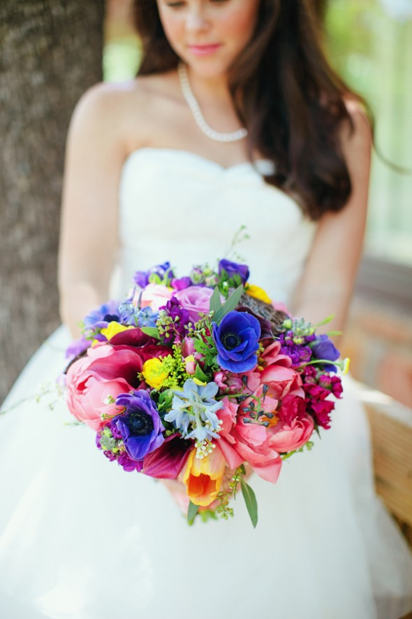 bright-flower-wedding-bouquet