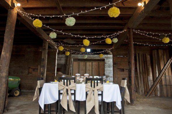 yellow-barn-wedding