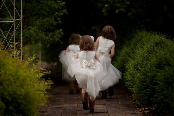 rustic-wedding-flower-girls